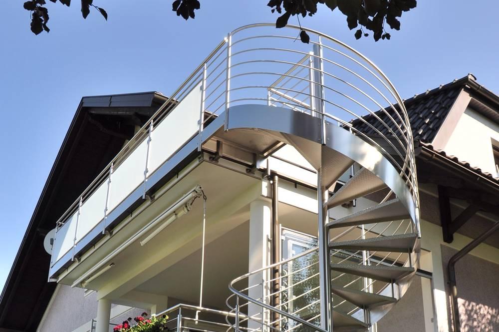 Resch Metall Design Uberdachungen Carports Gelander Wendeltreppe