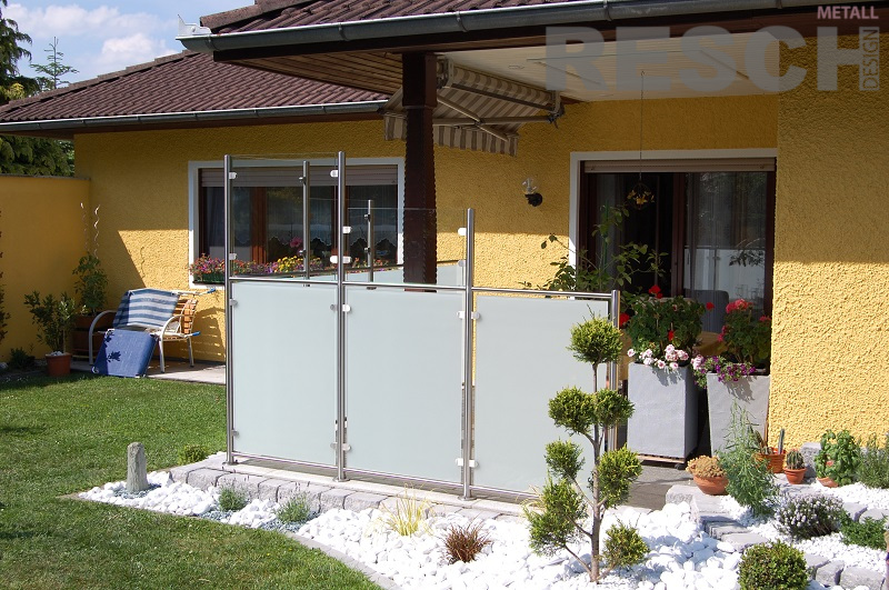wind und sichtschutz aus edelstahl resch metall design. Black Bedroom Furniture Sets. Home Design Ideas